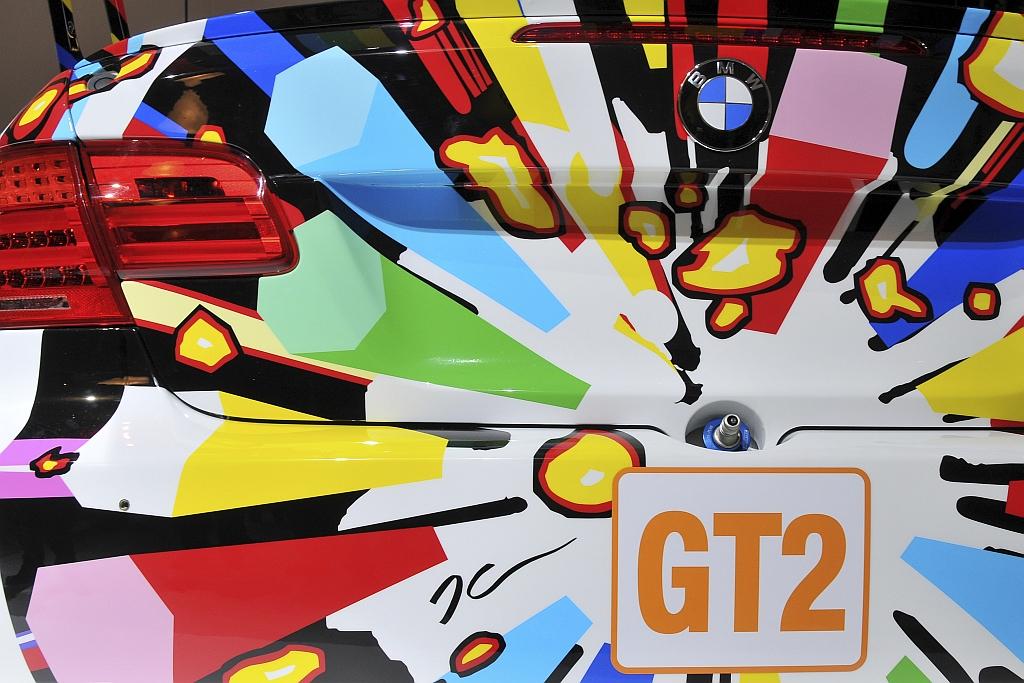 bmw-m3-gt2-art-car-jeff-koons-detail-heckansicht