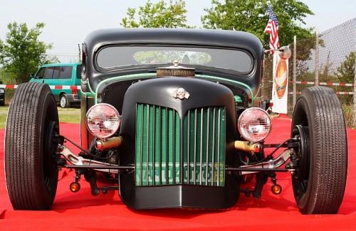 Dieser besondere Hot Rod begegnete uns auf der US Car Show in Karlsruhe 2009